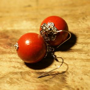 Красные серьги
